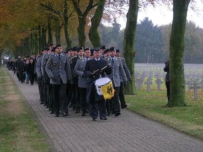 Kranslegging op Duitse begraafplaats 'geen SS-verheerlijking'
