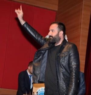Anti-fascisten winnen: Grijze Wolven zeggen haatzanger Ozan Manas af